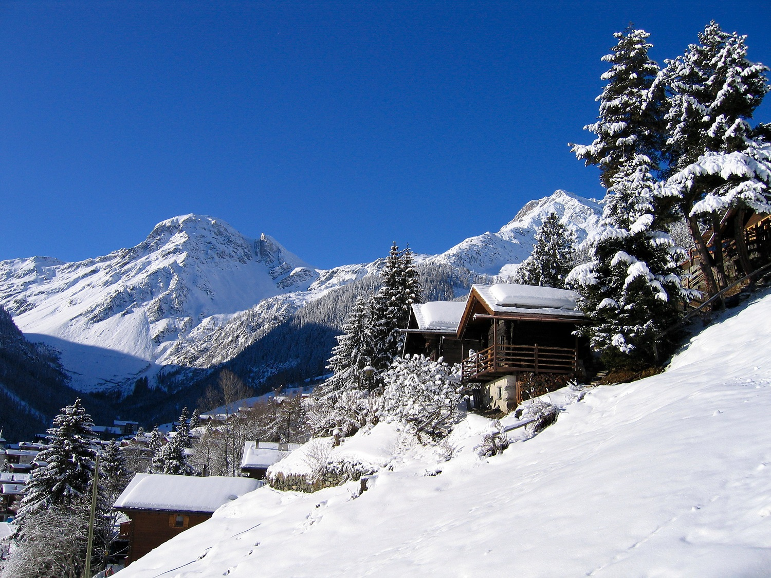 Buy a Chalet in the French Alps with nidski