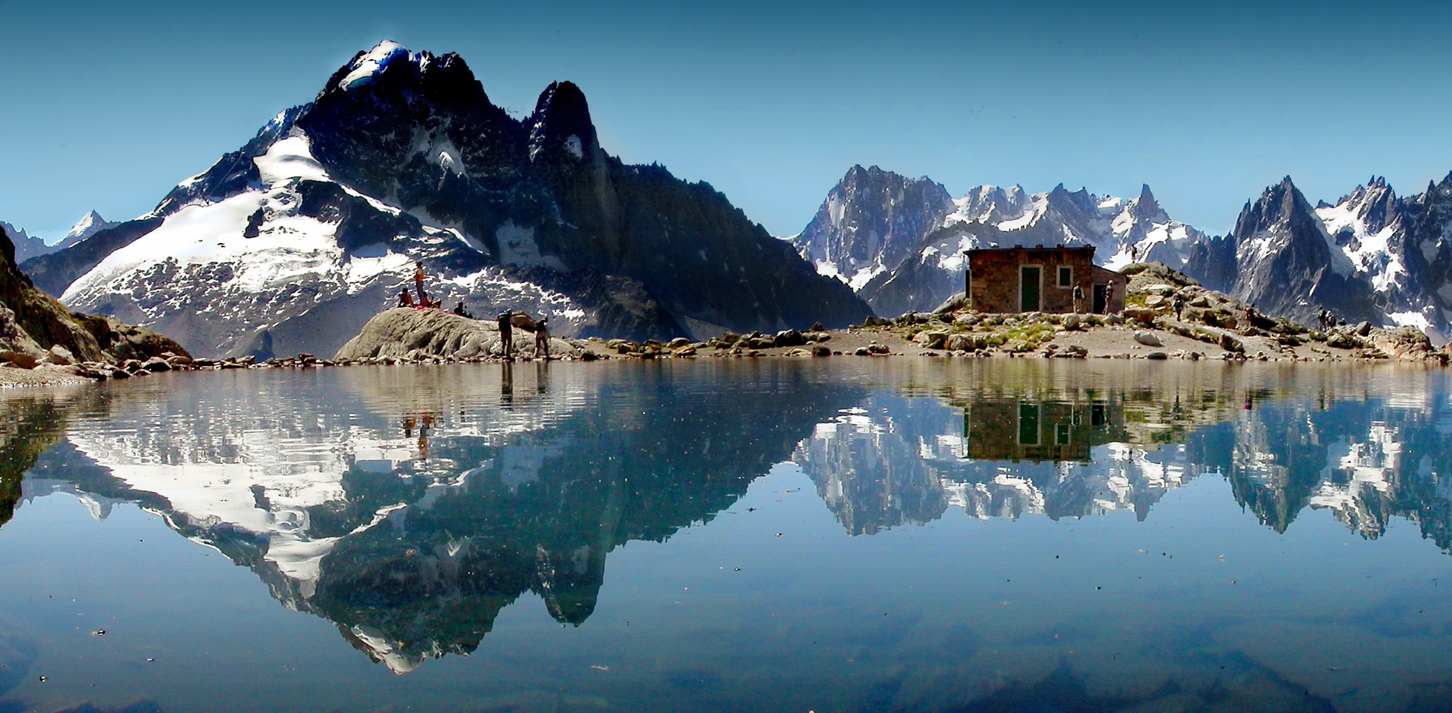 Lac blanc mountain hike chamonix ski resort france
