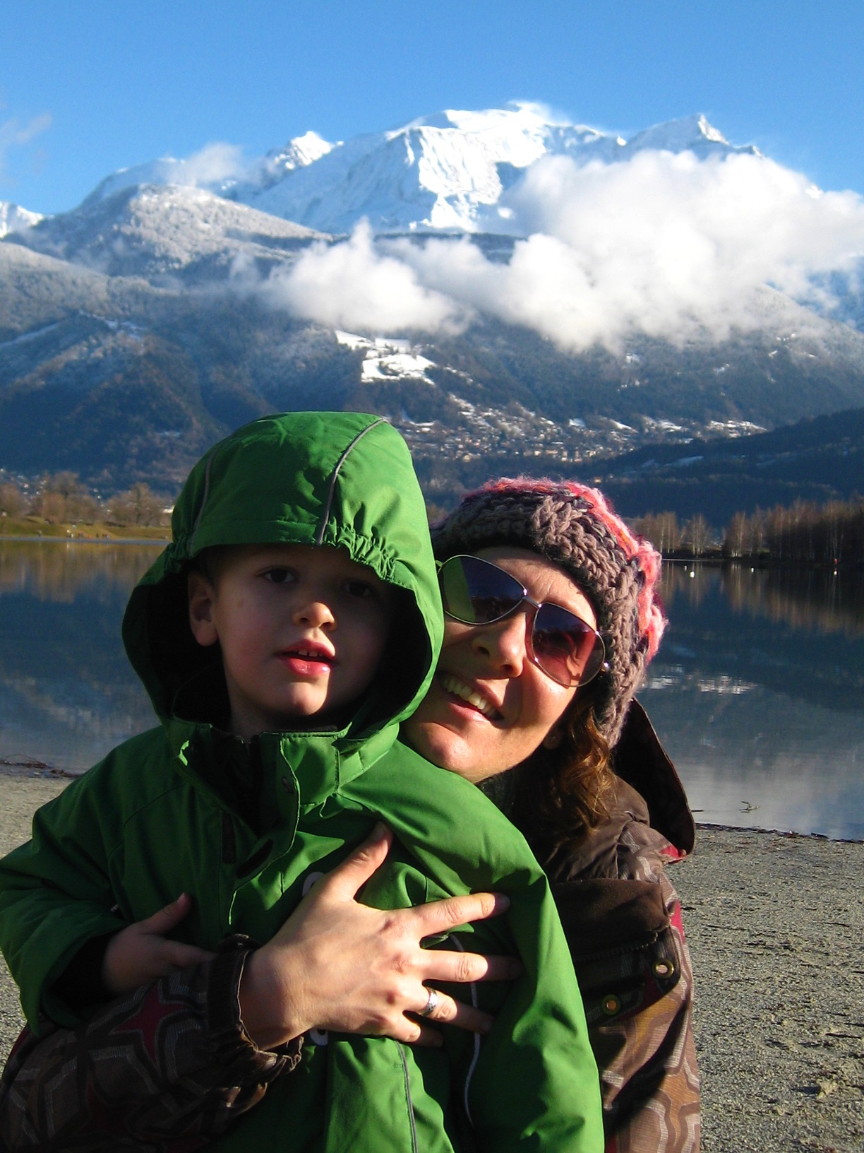mont-blanc-family-fun-fiona-dodsworth-lake-passy